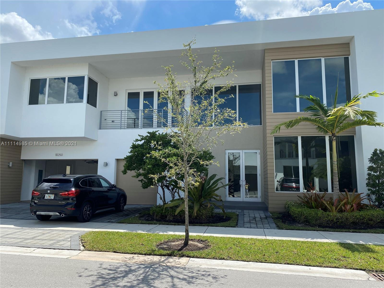 10250 NW 75th Ter  For Sale A11114985, FL