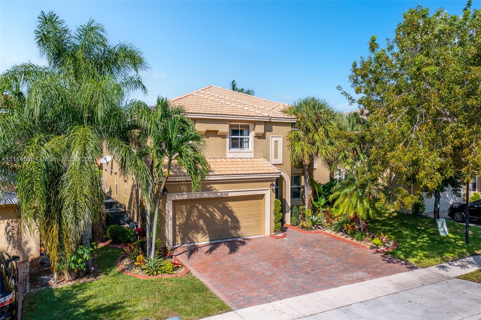 15681 SW 53rd Ct  For Sale A11114586, FL