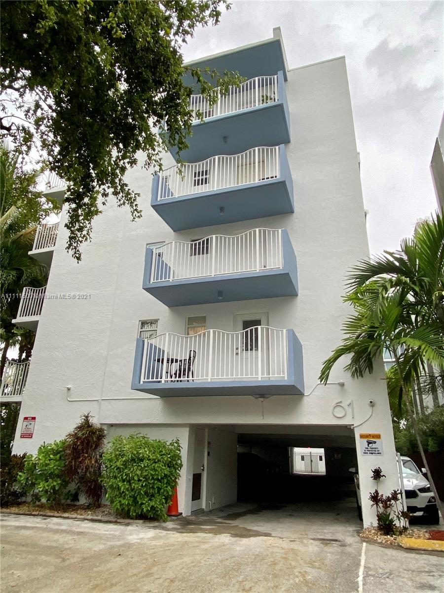Amazing opportunity to own a very well maintained and clean condo in one of the most desirable areas of South Beach. Very private condo tucked in next to the very popular restaurant Carbone! Walk to the beach and enjoy all the wonderful nearby restaurants, atmosphere and south beach vibe south of fifth has to offer.