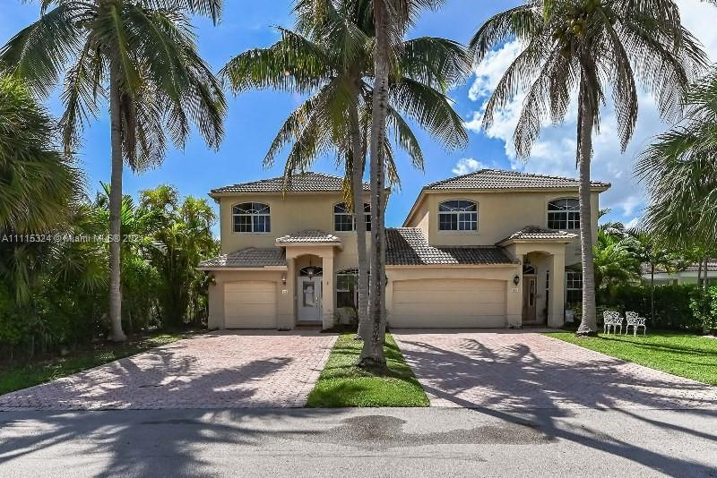 218  Pine Ave  For Sale A11115324, FL