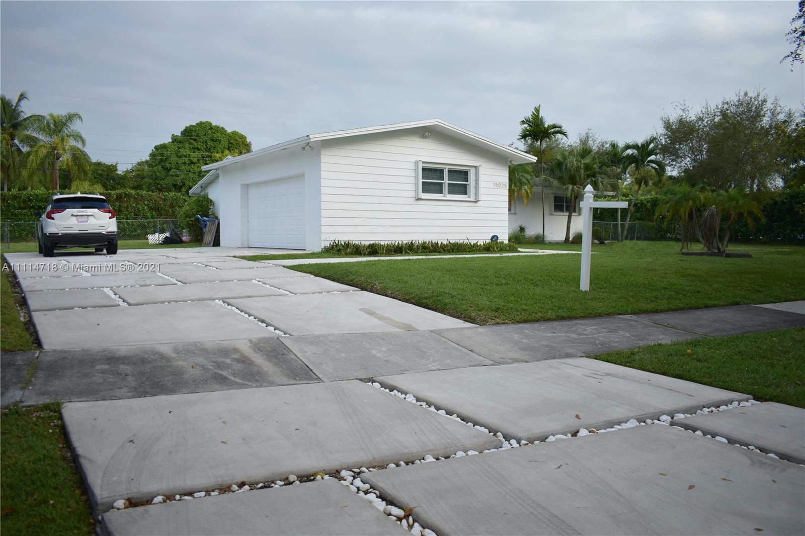15025 SW 82nd Ave  For Sale A11114718, FL