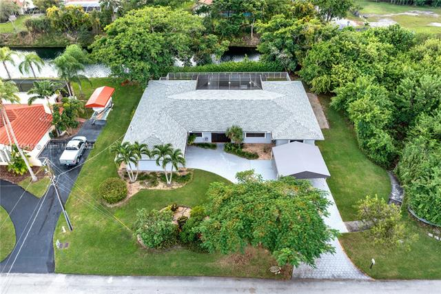 7690 SW 173rd St  For Sale A11114948, FL