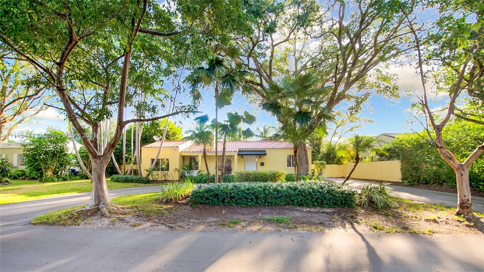 7531 SW 52 Ct  For Sale A11115431, FL