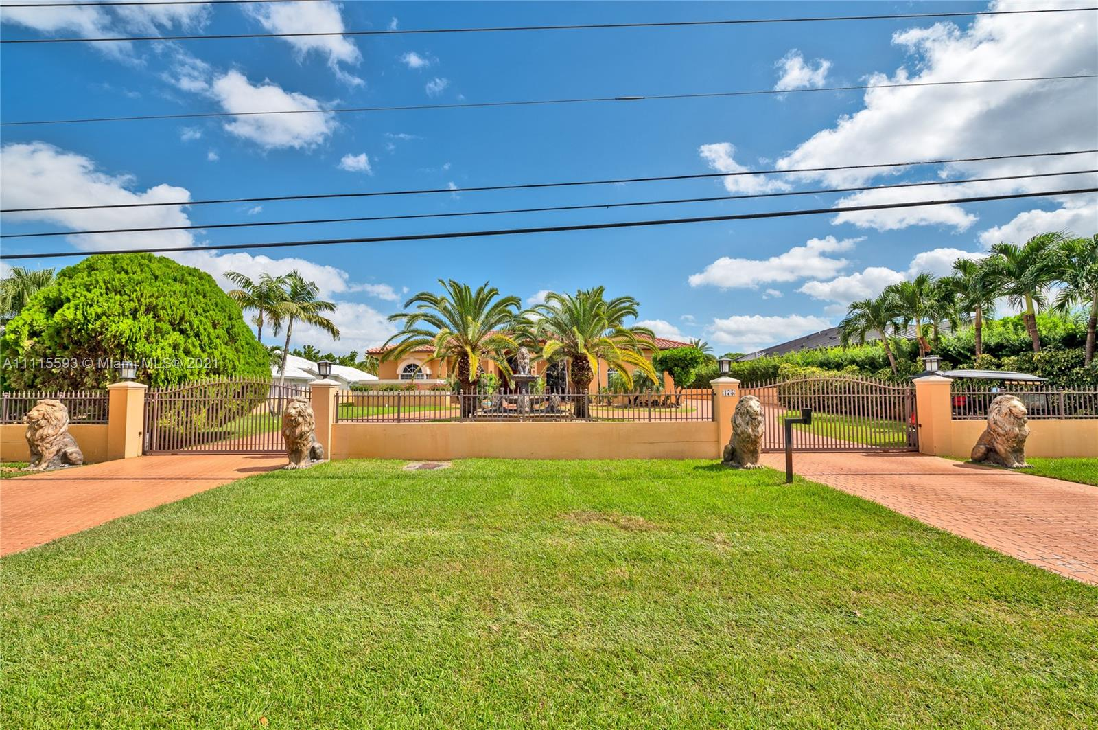 175 SW 132nd Ave  For Sale A11115593, FL