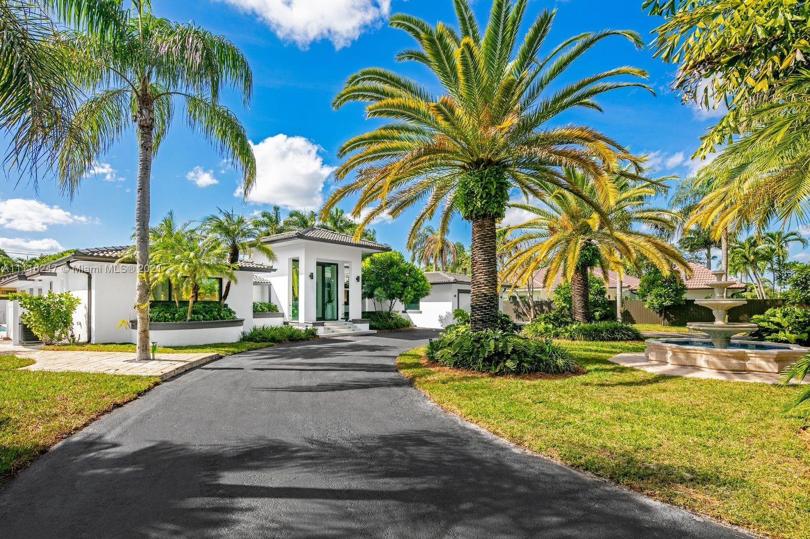 7300 SW 77th Ave  For Sale A11116247, FL