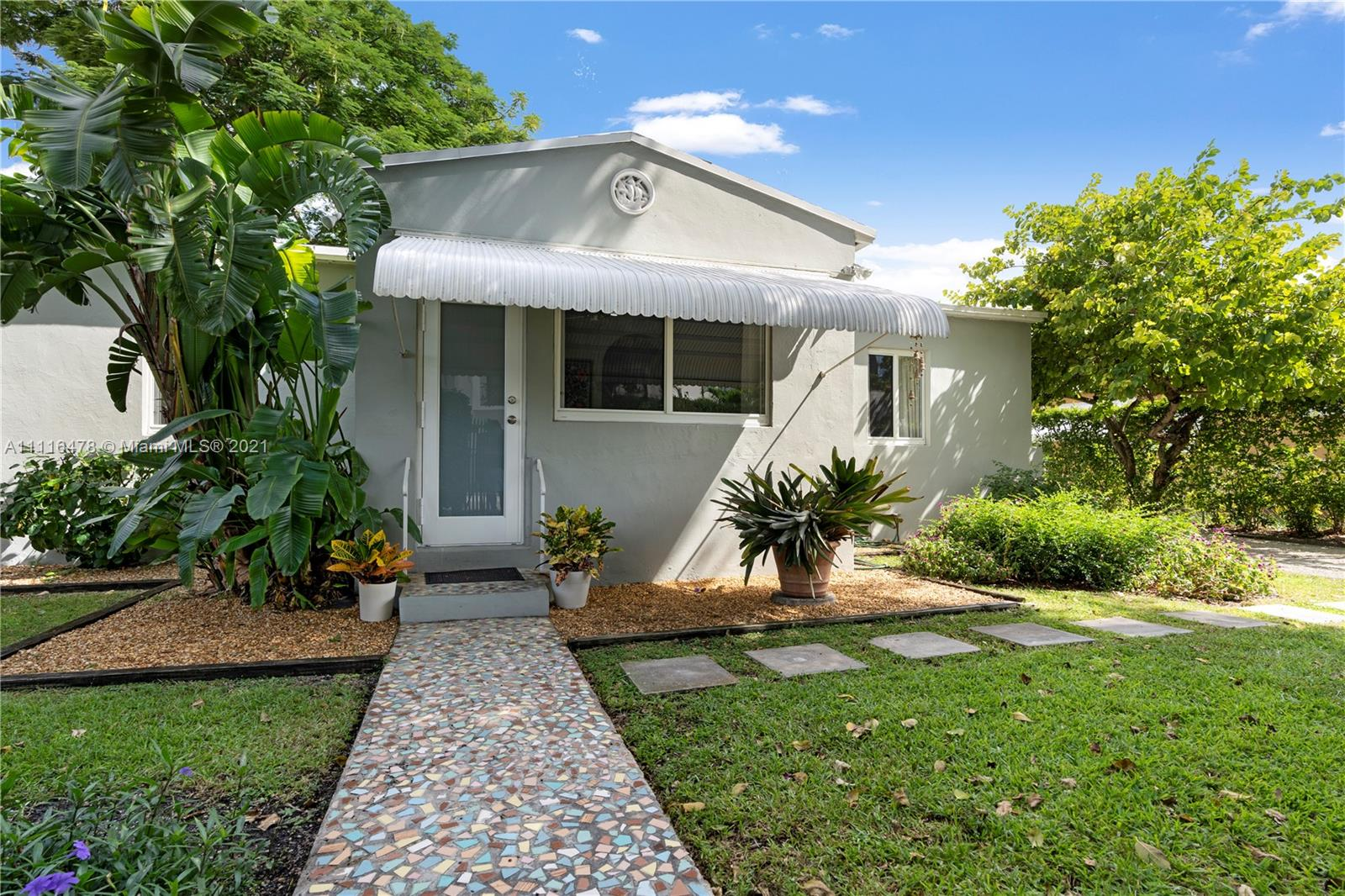 2625 SW 30th Ave  For Sale A11116478, FL
