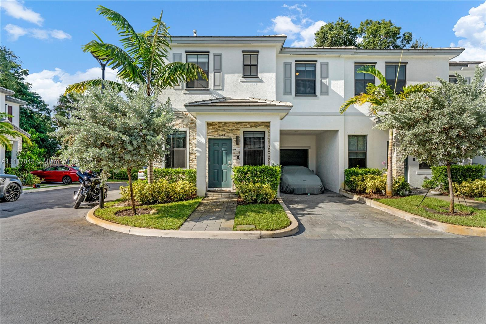 1647 SW 28th St  For Sale A11117045, FL