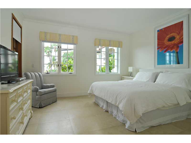 19236  FISHER ISLAND DR   19236