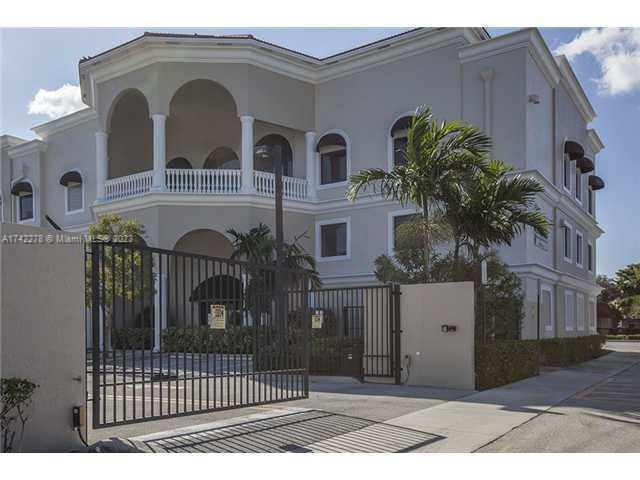 2227 N FEDERAL HY, Hollywood, FL 33020