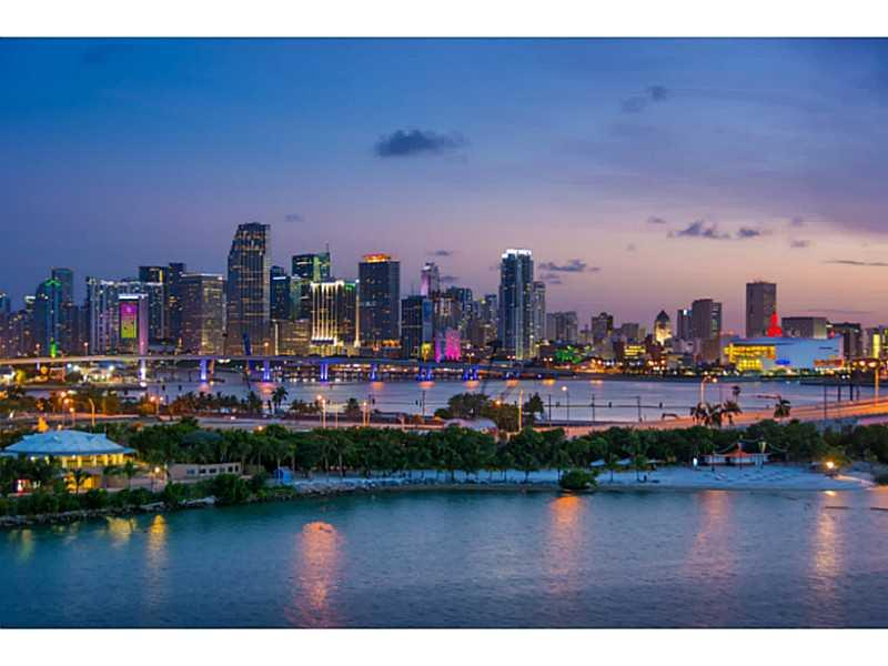 1000 Venetian Way #1008, Miami Beach, Florida image 18
