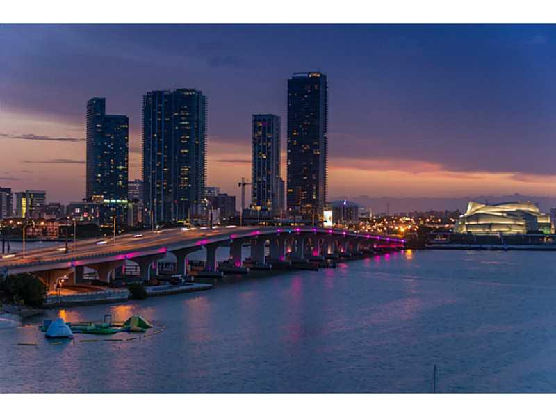 1000 Venetian Way #1008, Miami Beach, Florida image 17