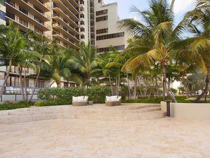 1000 Venetian Way #1008, Miami Beach, Florida image 3