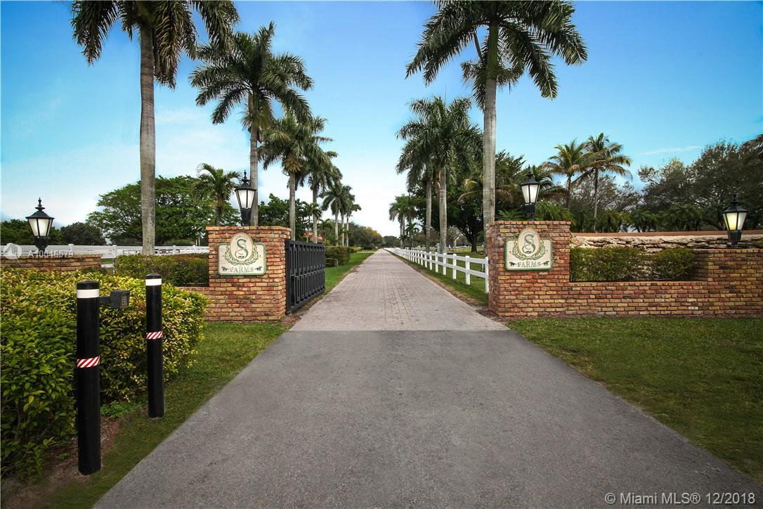 15990  Griffin Rd  For Sale A10046579, FL