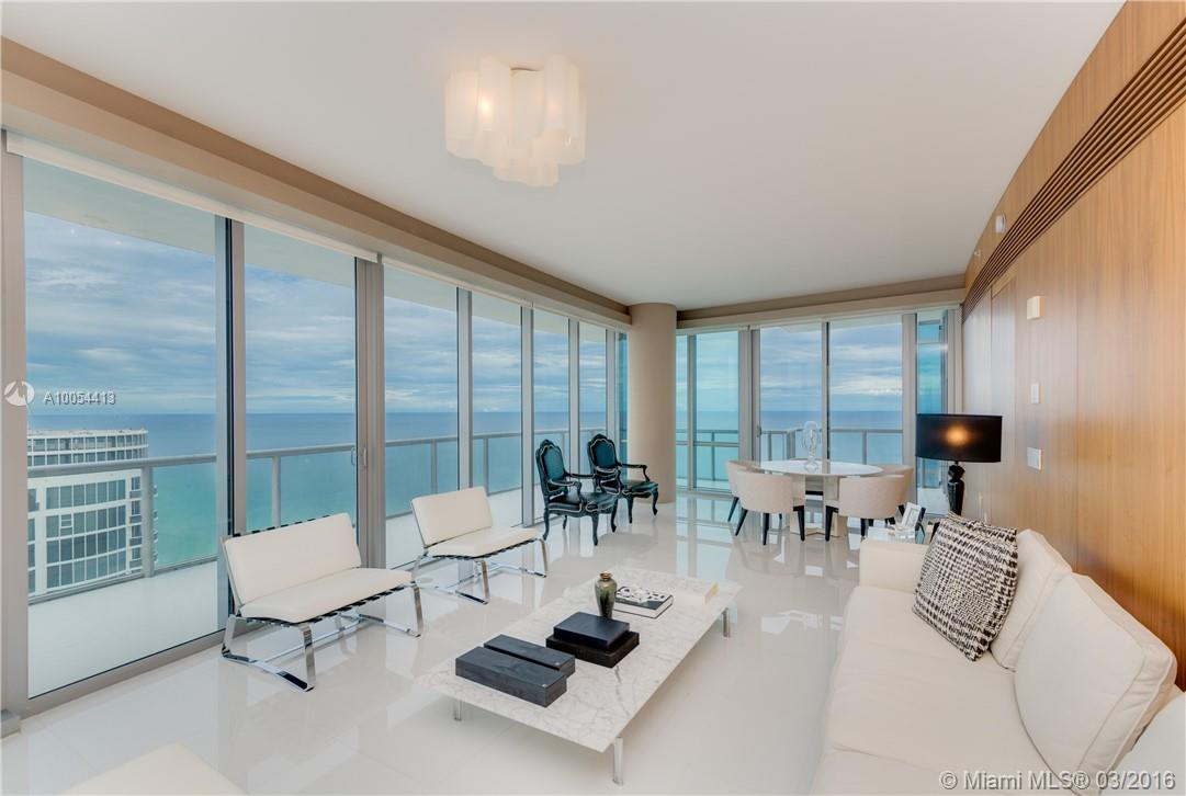 Astonishing 4bed/4.5 ba Corner Unit with Ocean, Bay and City Views from the 43rd Floor!!! Direct Ocean View from Mastersuite, Top of the Line SS Appliances. Most Luxurious and Spectacular Building in Miami designed by famous architect Carlos Ott with phenomenal finishes and amazing Amenities such as infinity Edge Pools, Beach Service, Spa with Lounge Area, Sauna, Massage, Steam Rooms, State of the art Health Club, Children's Room, Elegant Social Lounge, Private Cinema.