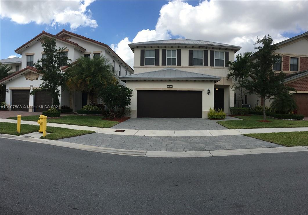 10503 NW 70th Ln, Doral, Florida image 10