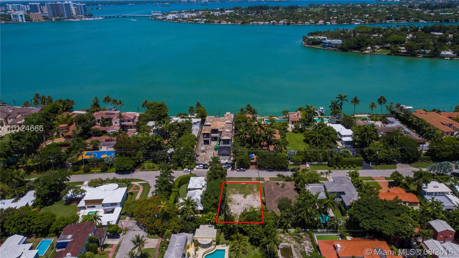 6015 N Bay Rd  For Sale A10124686, FL