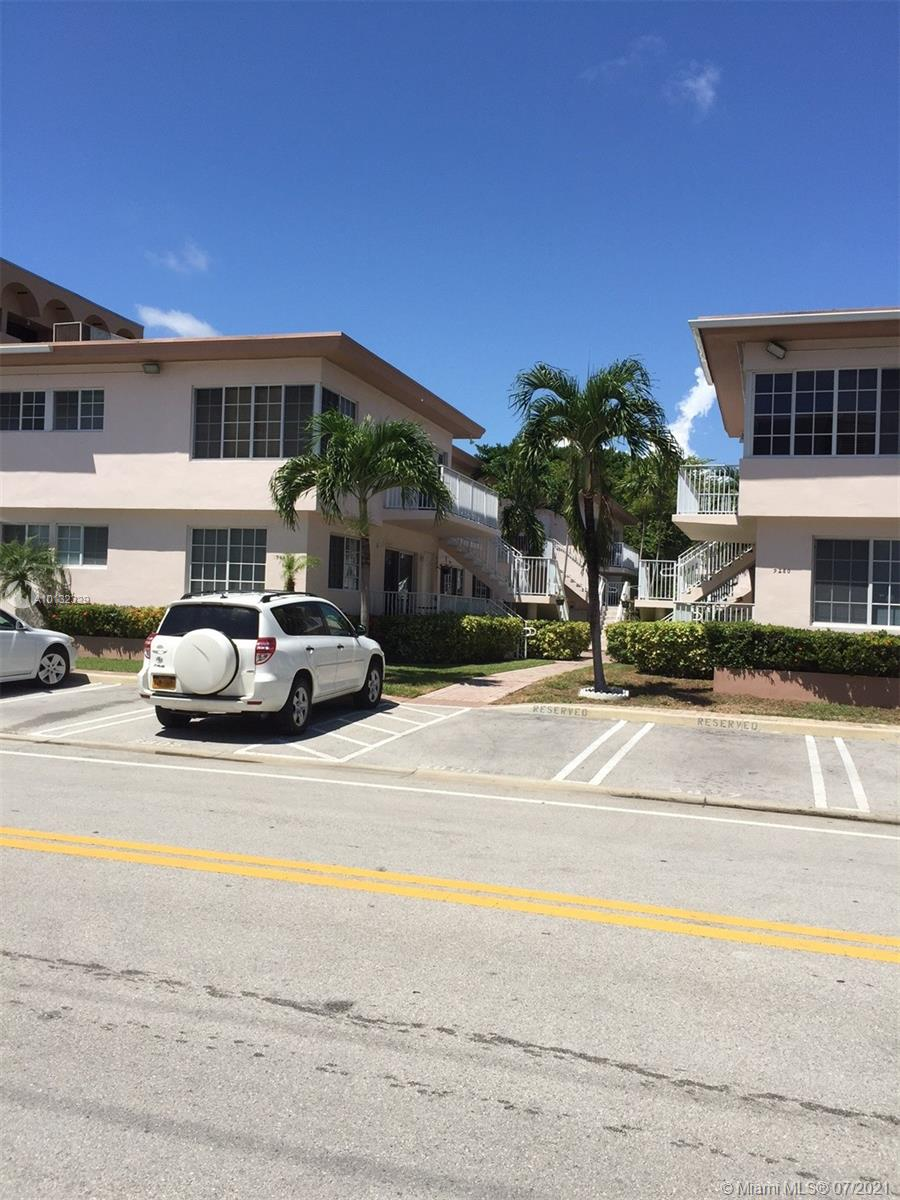 A REMODELLED 2/2 !!!   with:  Granite Top Kitchen Counters and Baths !!!  High Impact Windows !!!    Clothes Washer and Dryer inside apt. !!!  wood/tile/carpet floors, ample PARKING !!! PETS under 25 pounds OK !!! near doggy park !!!  Rentals OK from day one !!! Rented for years at $1,750, to 12 31 2021    near a school to 8th grade !!! in a quiet residential street !!! near Beach, shopping and houses of worship !!! low maintenance $554. monthly !! need 24 hour notice to show !!!!