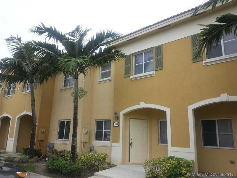 1622 SE 30th St  For Sale A10135768, FL