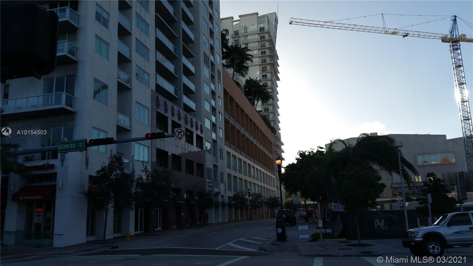 234 NE 3rd St #LPH07, Miami, Florida image 29