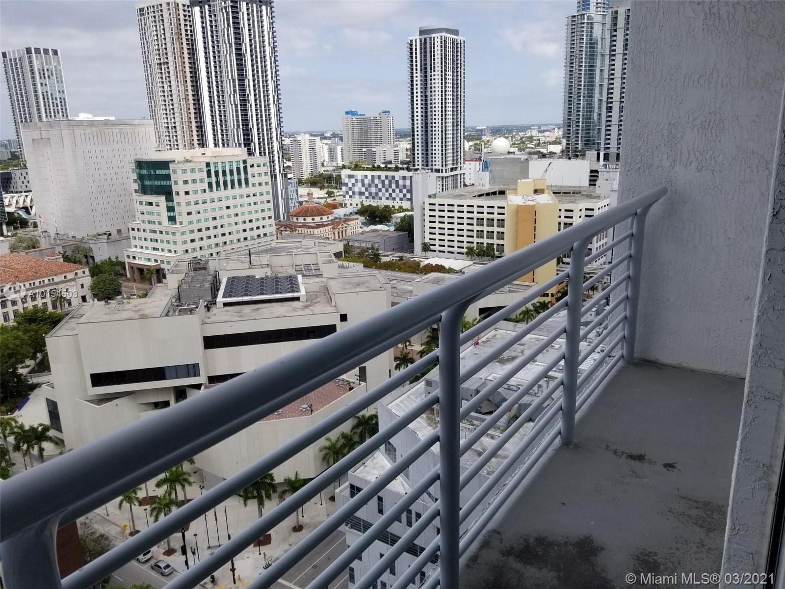 234 NE 3rd St #LPH07, Miami, Florida image 18