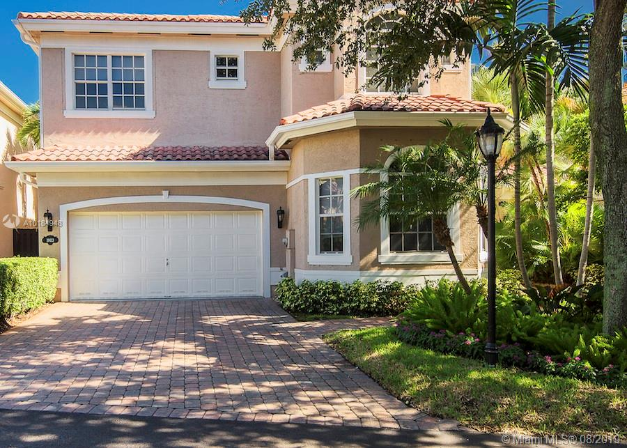 Details for 19433 38 Ct, Sunny Isles Beach, FL 33160