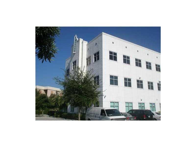18300 NW 62 AV 220, Miami, FL 33015