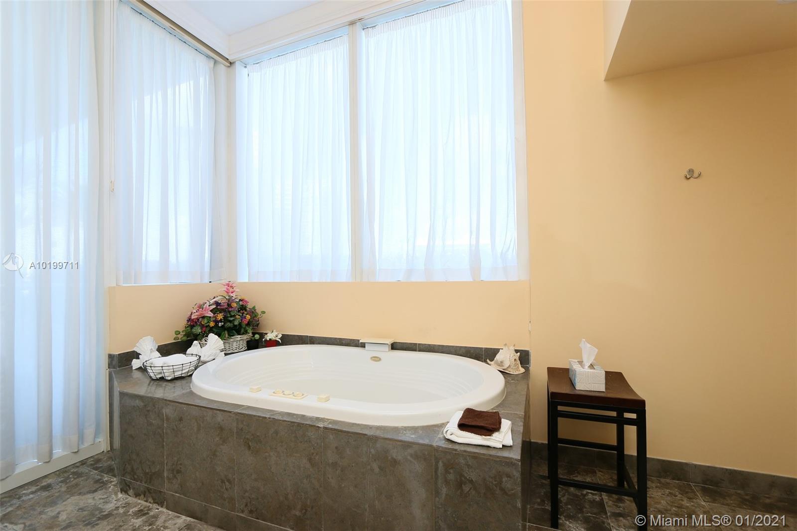 450 Alton Rd #602, Miami Beach, Florida image 10