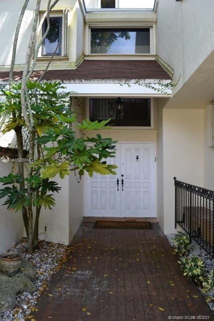 20215 W OAK HAVEN CR, North Miami Beach, FL 33179