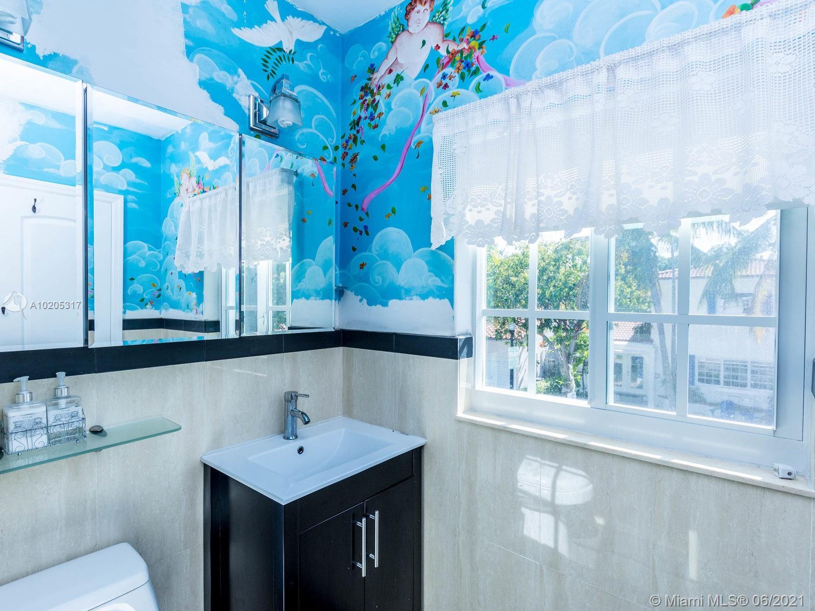 843 Espanola Way, Miami Beach, Florida image 10