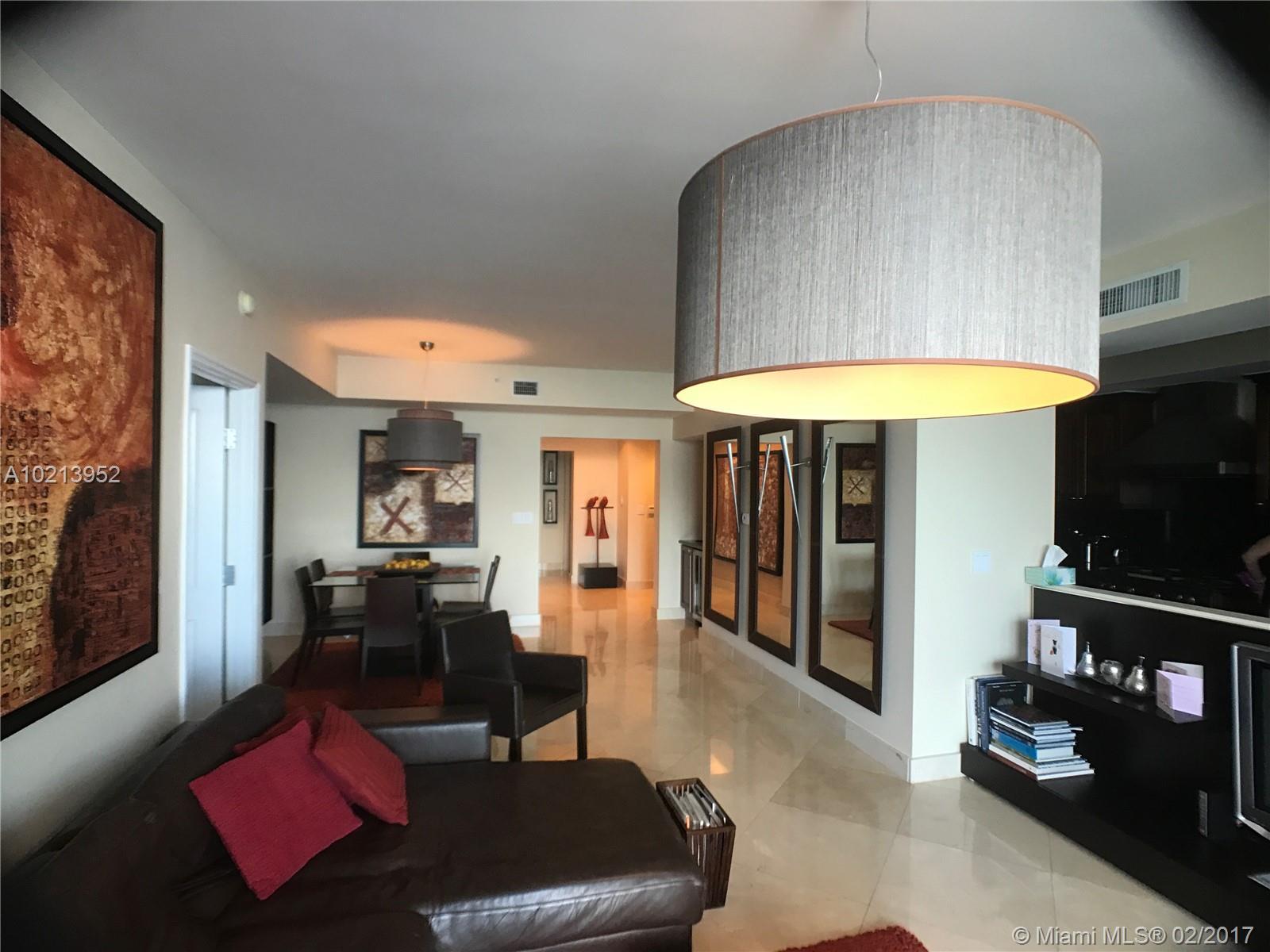3/3 direct ocean, split bedrooms, uncompromising amenities.