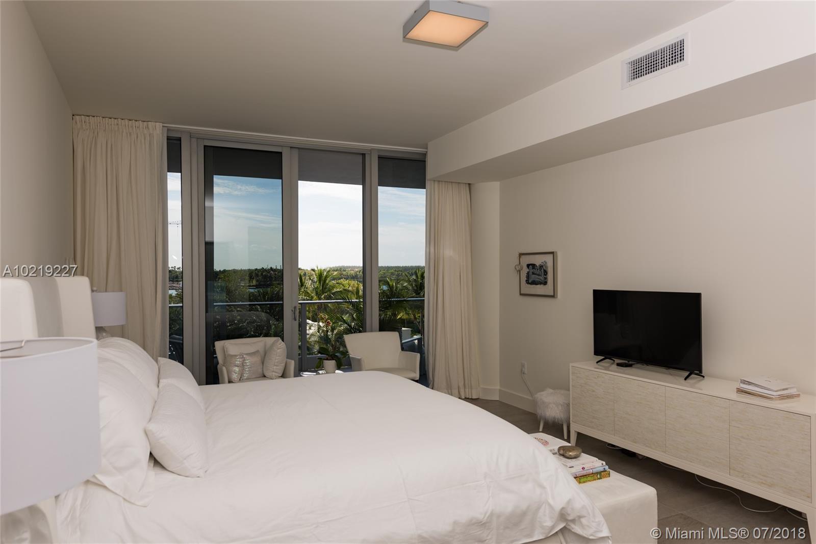 801 S Pointe Dr #401, Miami Beach, Florida image 24