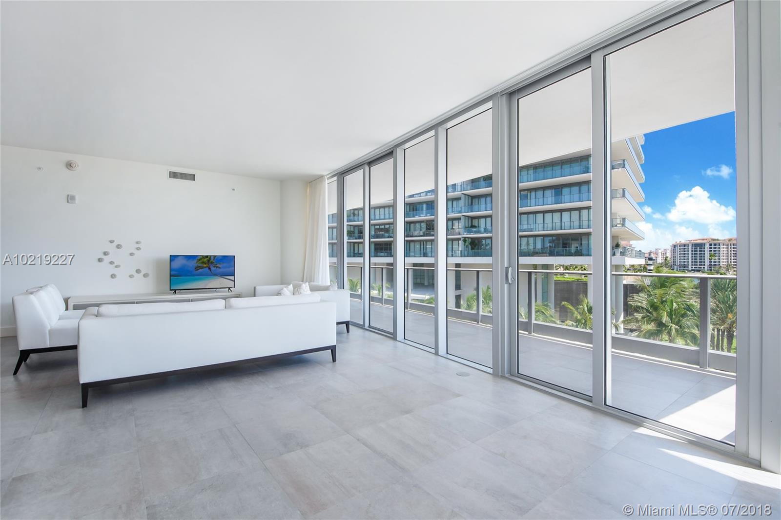 801 S Pointe Dr #401, Miami Beach, Florida image 34