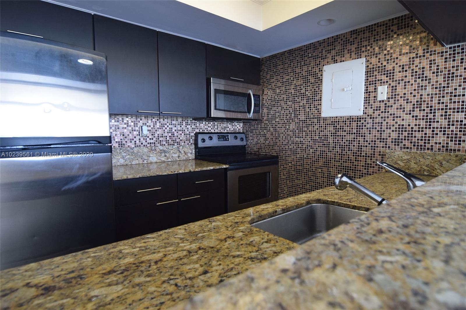 7601 E Treasure Dr #1208, North Bay Village, Florida image 5