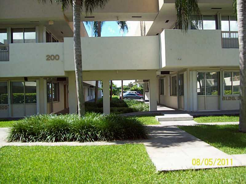 10300 SW 72 ST  For Sale M1463512, FL