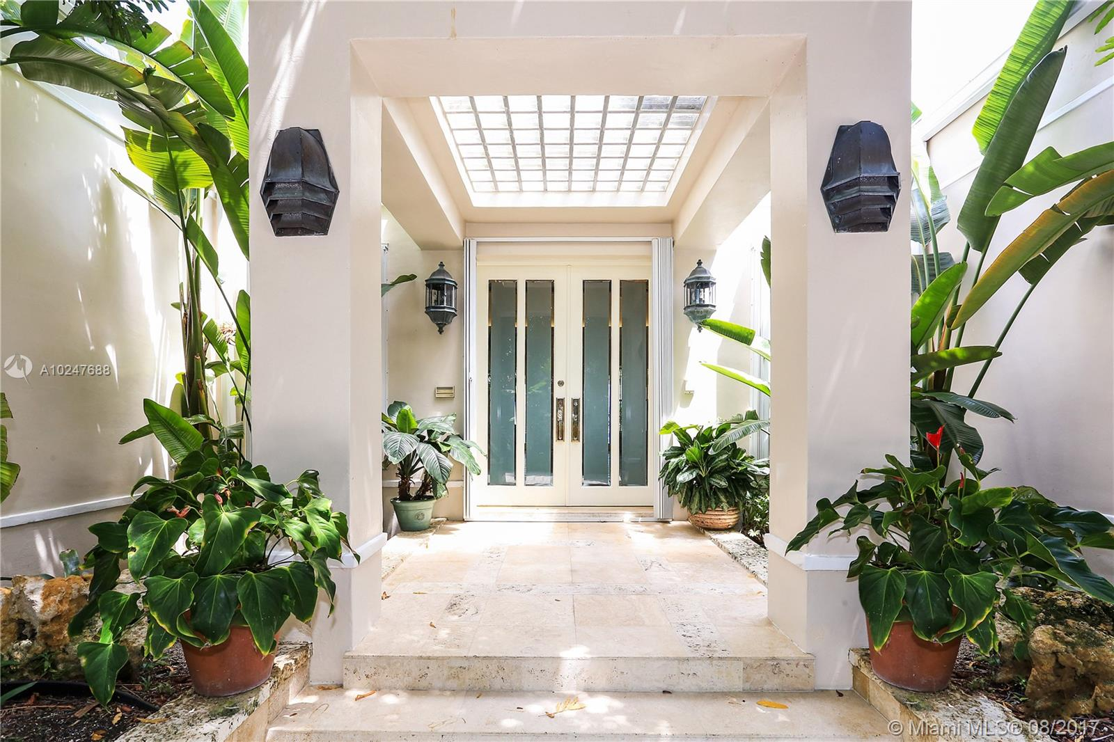 61  Island Dr  For Sale A10247688, FL