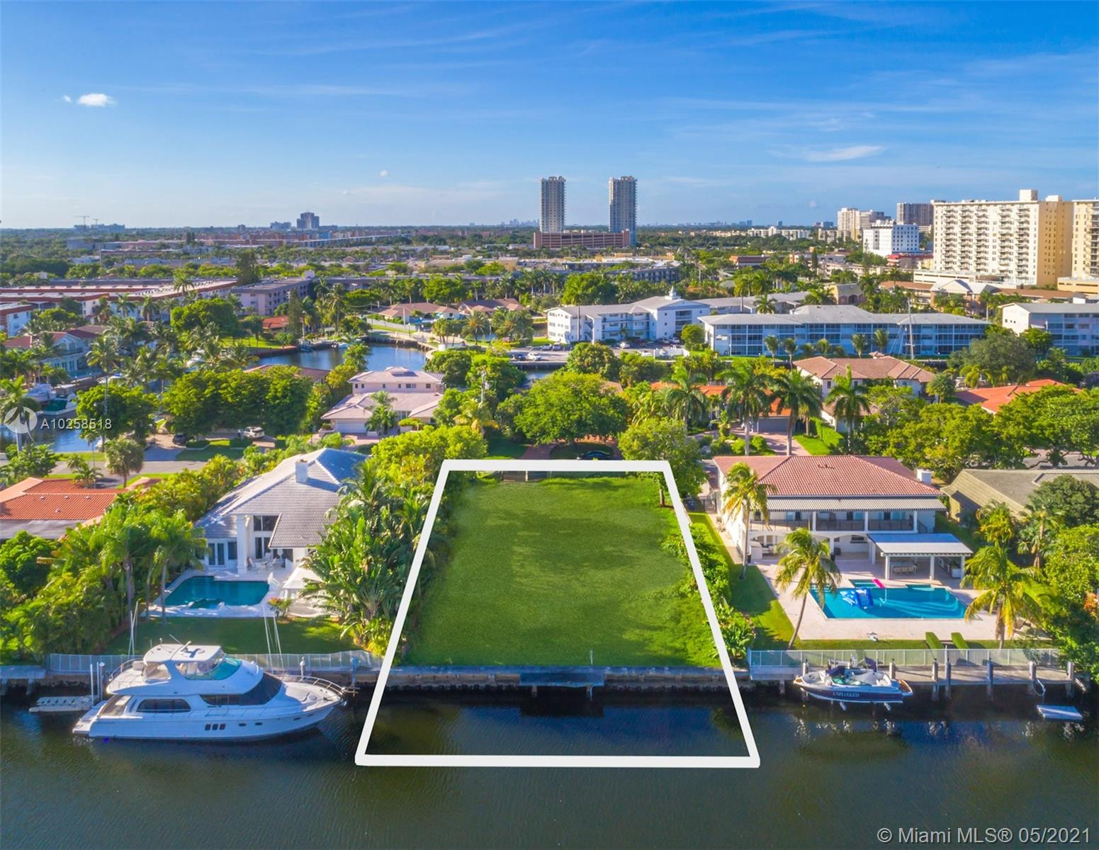 479  TAMARIND DRIVE  For Sale A10258518, FL