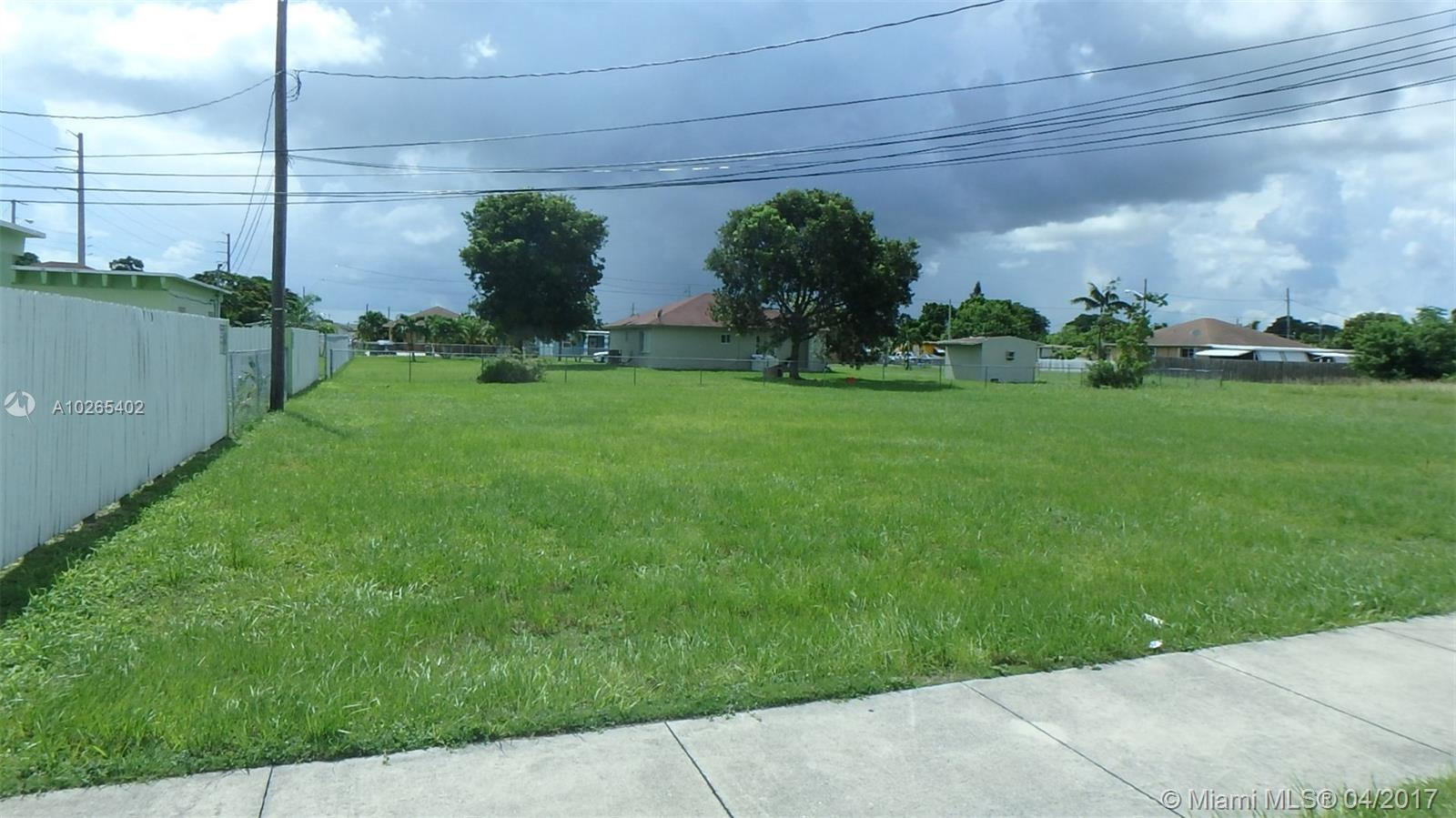 716  SW 10 Ave  For Sale A10265402, FL