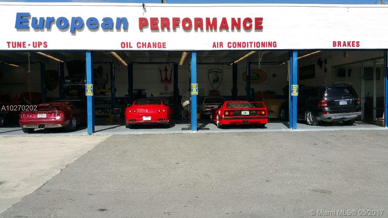 2001 Pembroke Rd, Hollywood, FL 33020
