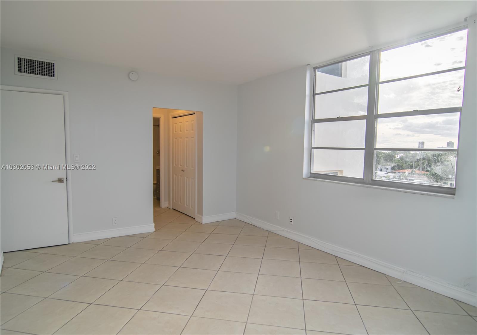 1455 N Treasure Dr #PH-A, North Bay Village, Florida image 3