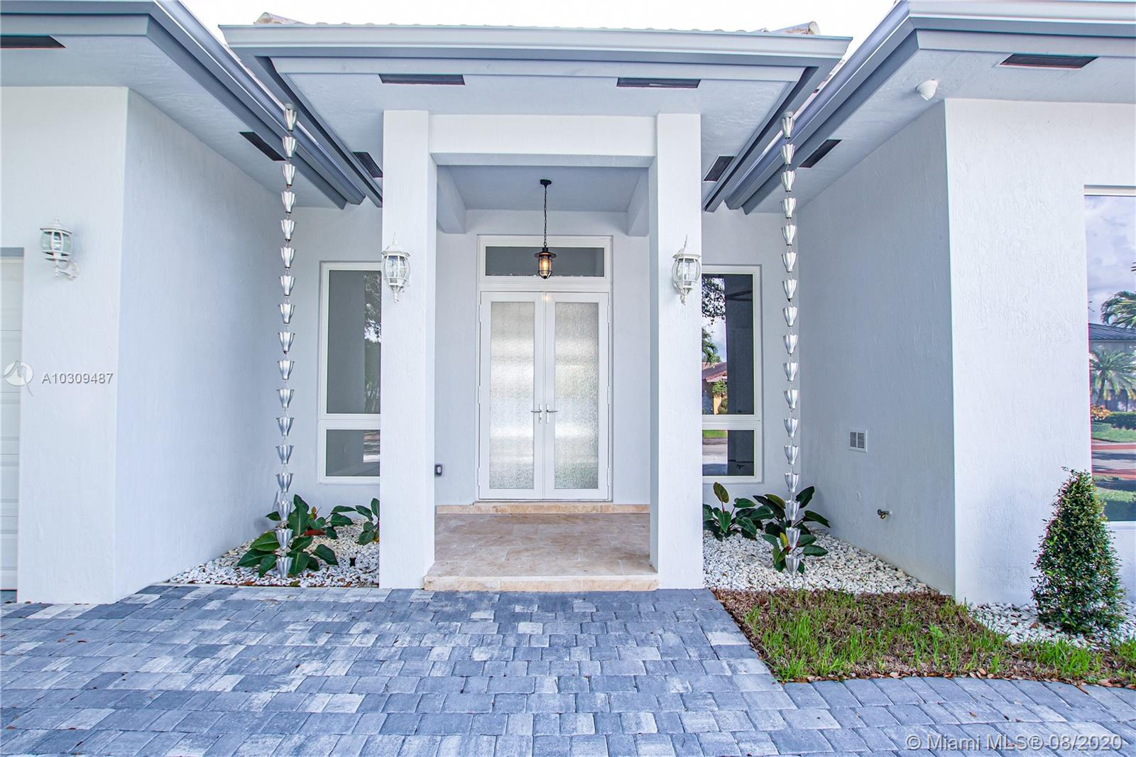 16907 NW 83rd Pl  For Sale A10309487, FL
