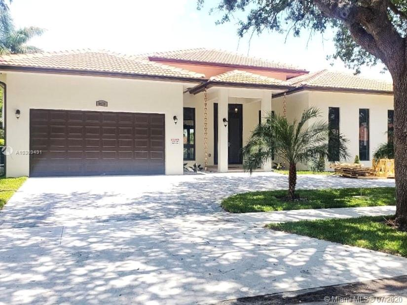 8475 NW 169 ter  For Sale A10309491, FL
