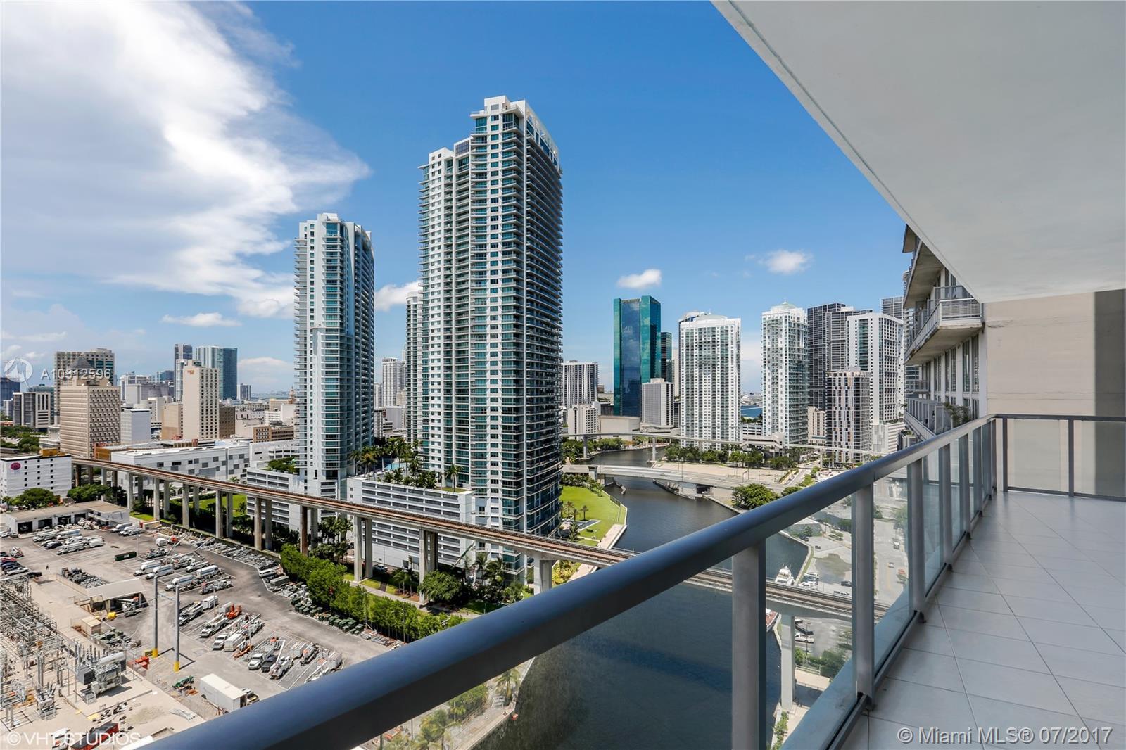185 SW 7th St #2111, Miami, Florida image 2