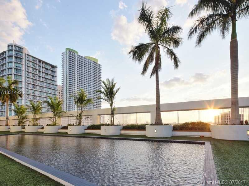 92 SW 3rd St #3401, Miami, Florida image 3