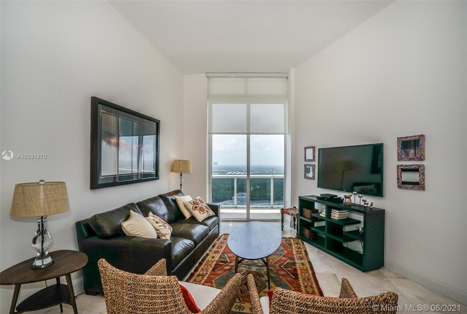 15811  Collins Ave   4205-1