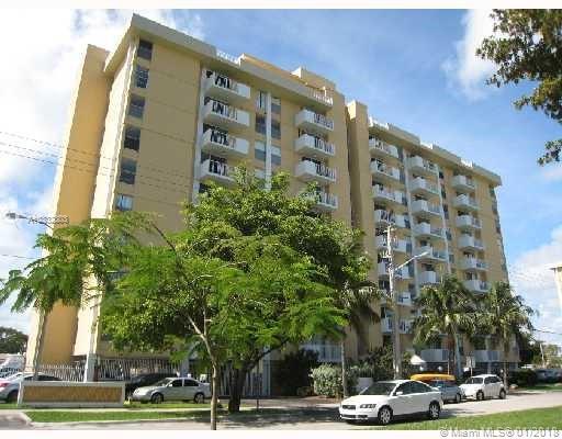 2020 NE 135th St #507, North Miami, Florida image 13