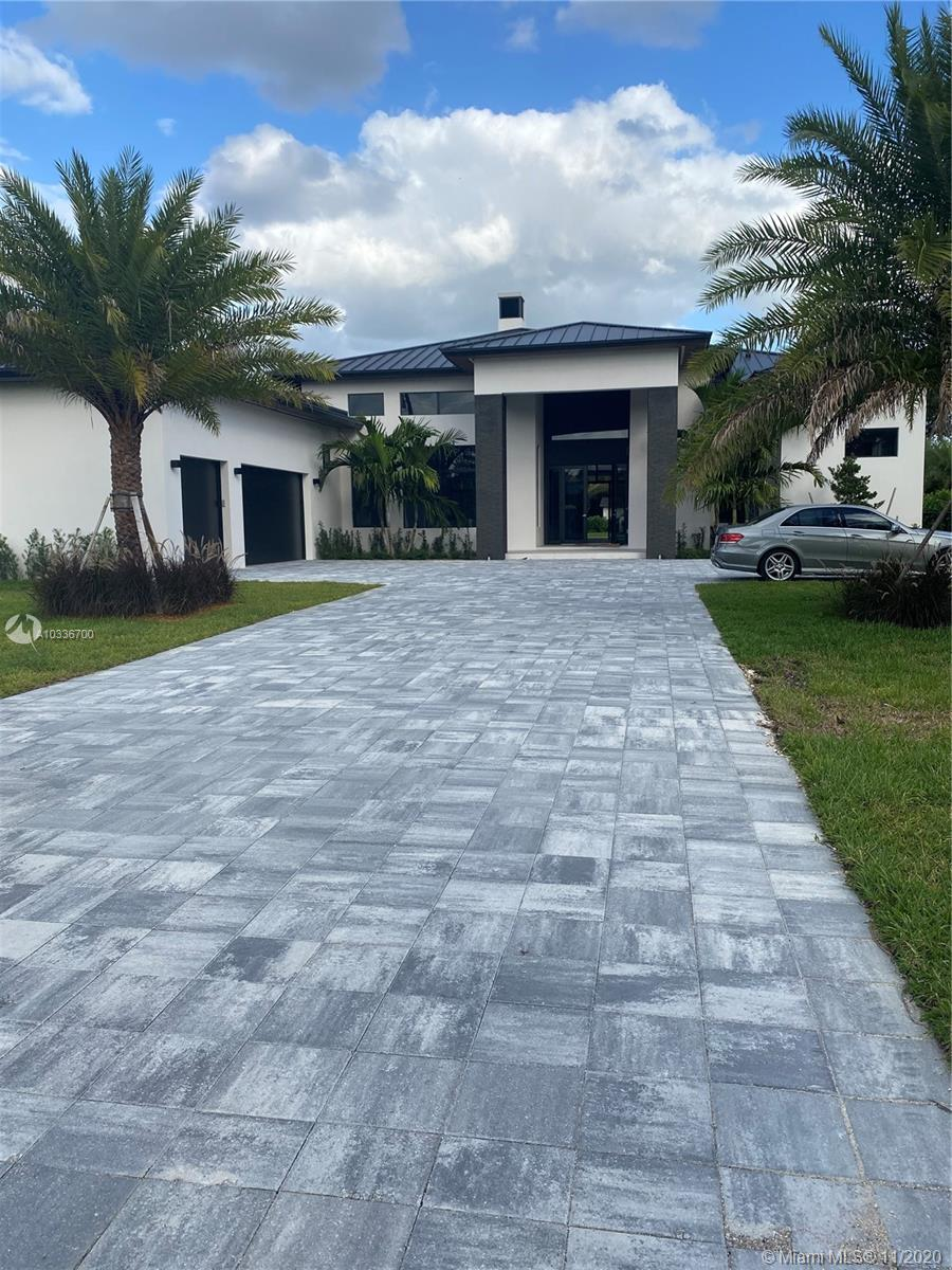 11055 SW 88 Ct, Miami, FL 33176