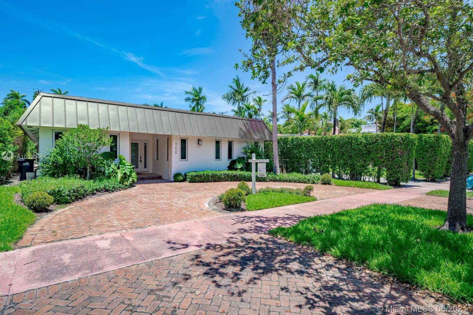 755  Lakeview Dr  For Sale A10333451, FL