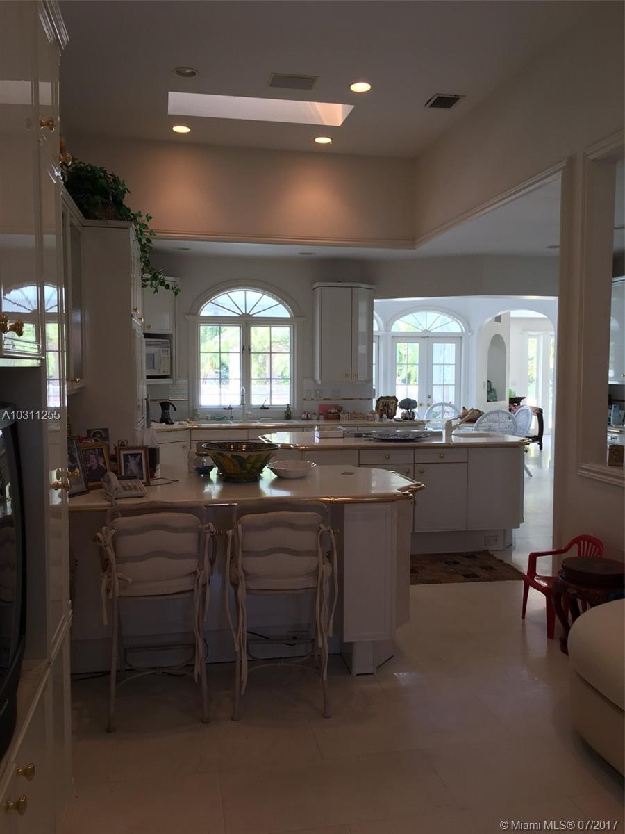 6861 SW 136th St, Pinecrest, Florida image 4