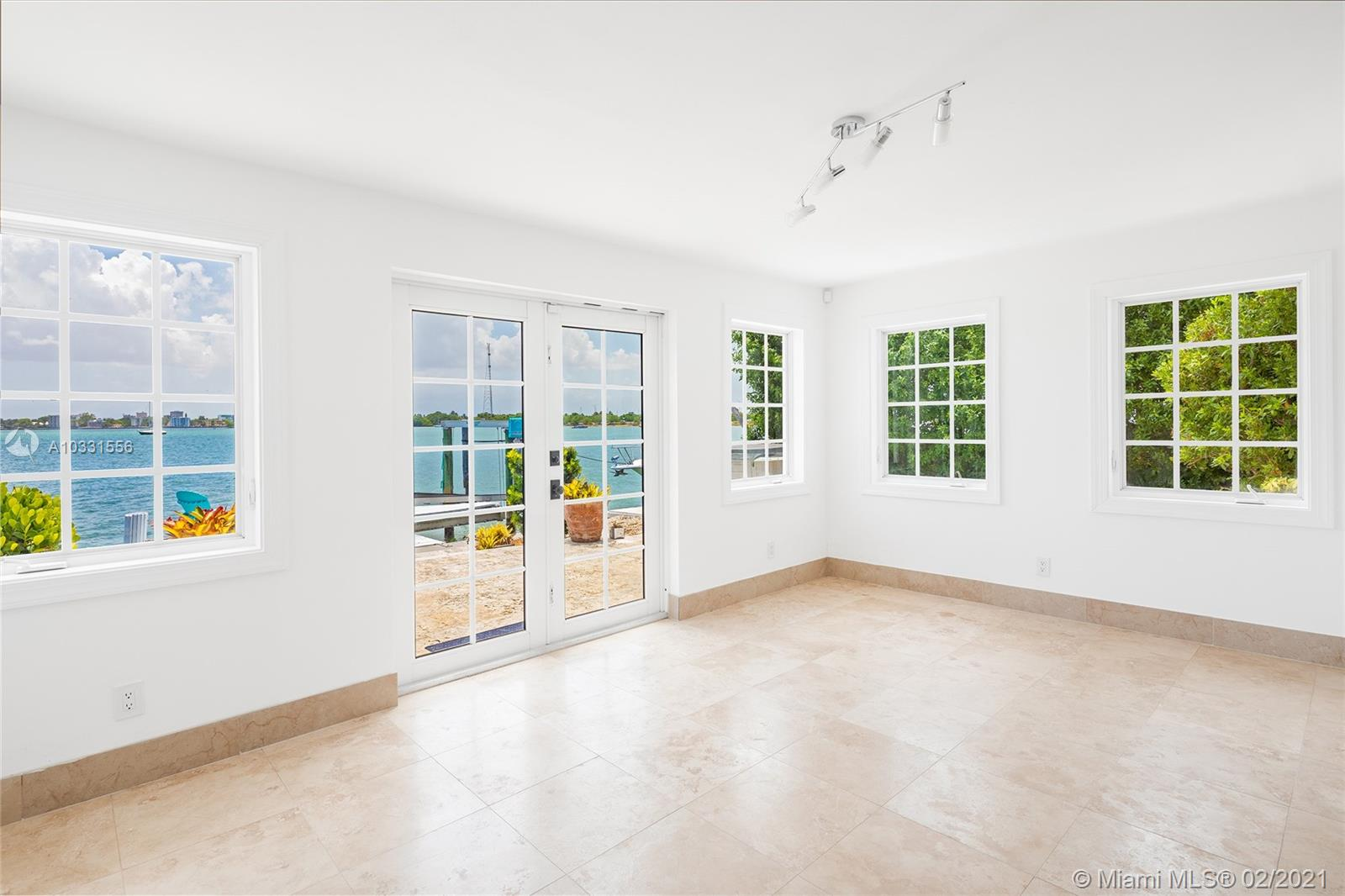 Image 10 For 7530 Miami View Dr
