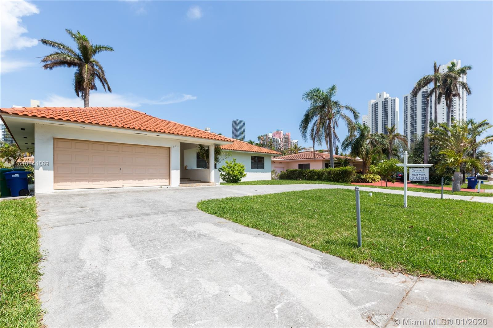261  191st St  For Sale A10344569, FL